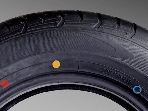 in thông tin lên lốp xe